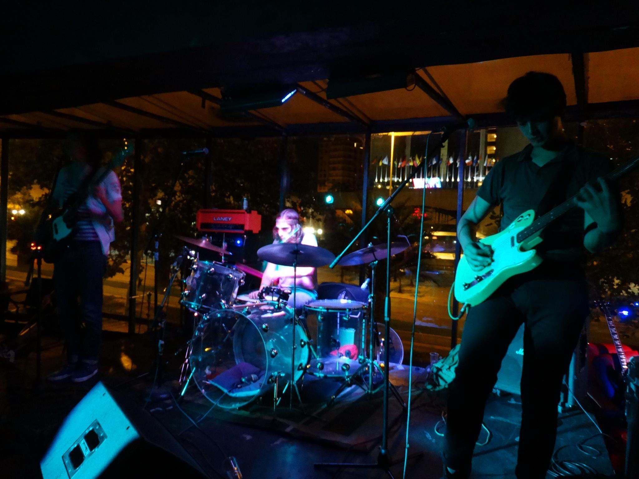 Knei Band Live 1